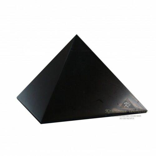 schungit pyramide poliert